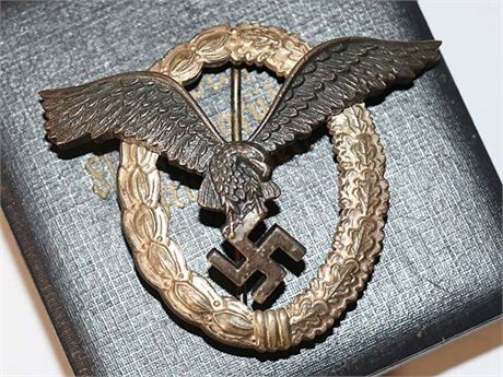 Luftwaffe Pilot Badge by BN&L with Reproduction Case